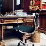 Eckhart-Vitra-Aluminium-Chair-EA117